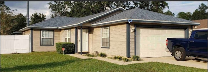 Great value home, comfortable and pet friendly!
