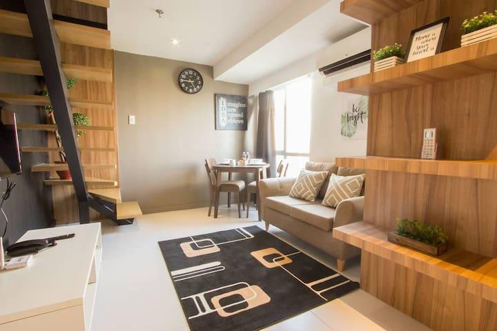 1BR BGC  Fort Victoria Homey&Luxe Duplex w/ WASHER