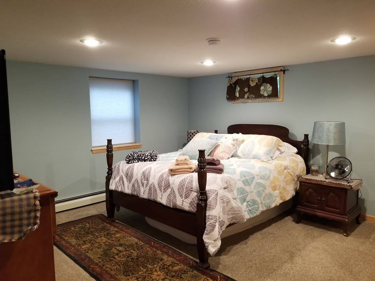 Moderately firm Queen size mattress with waterproof mattress toppers. Mattress designed by a chiropractor. A pullout very comfortable twin size floor mattress available if needed. Just let us know.