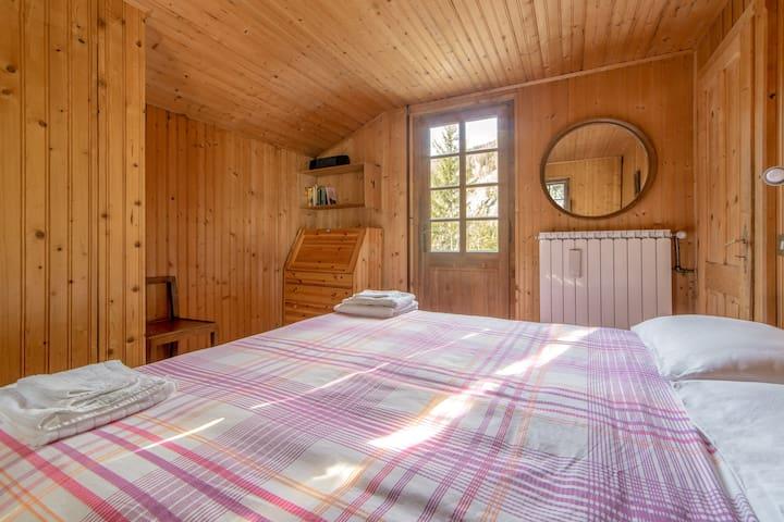 Double bedroom with terrace 1st floor