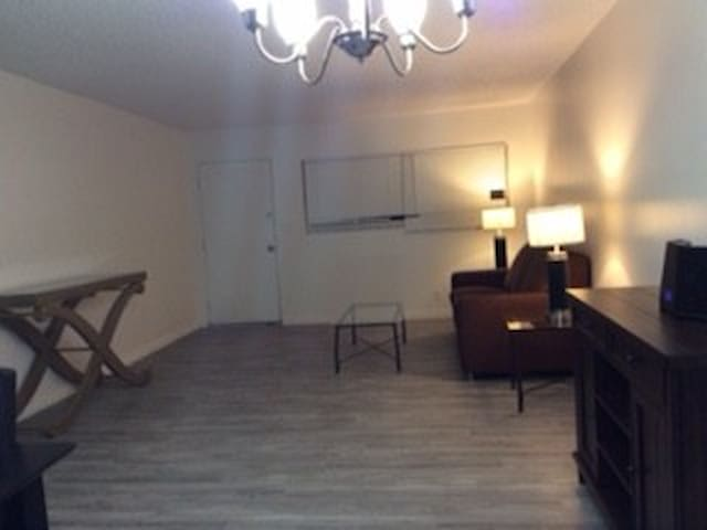 LAS VEGAS STRIP NICE CONDO FOR 6 PERSONS