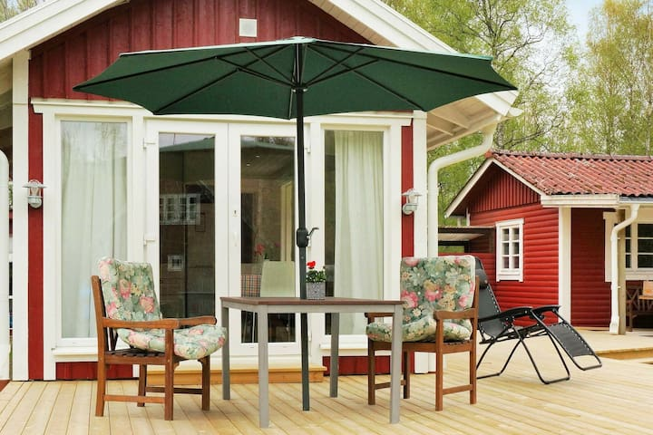 6 person holiday home in Heberg