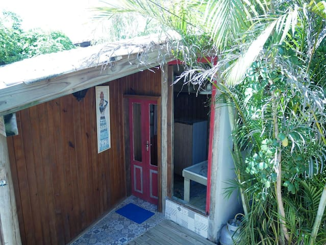 Aconchegante apartamento no centro d Praia do Rosa