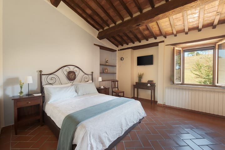 Room in Agriturismo - Breakfast included