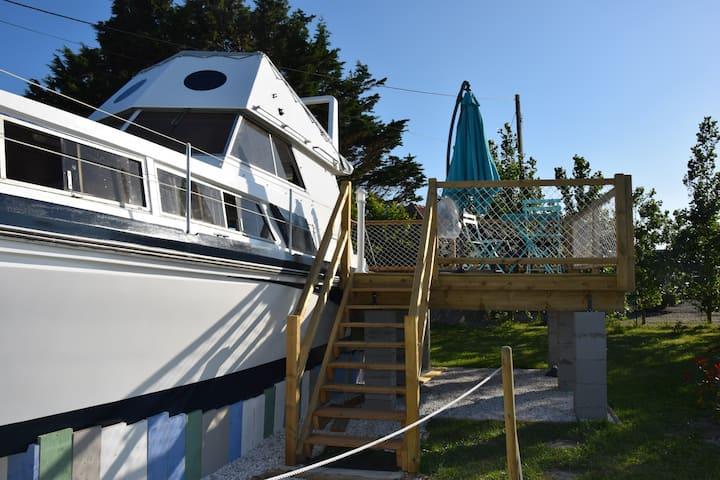 CAP EN BAIE bateau gîte hébergement insolite