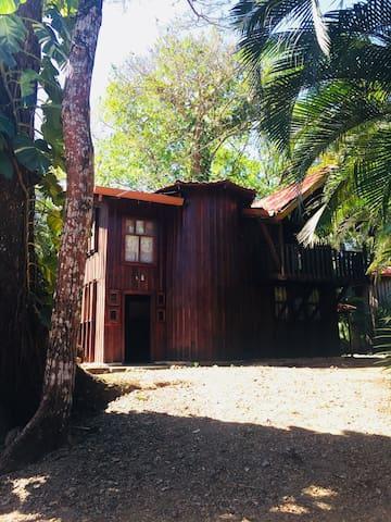Casa Loma Verde Playa Carrillo