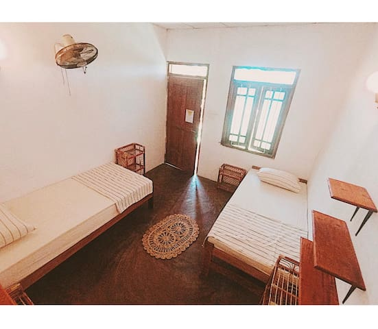 1 Single Beds in Shared Room, Private Bathroom