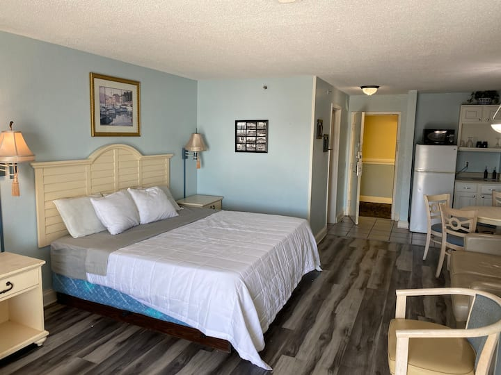 Sea Mist Resort 51013 End Unit, King Bed, View