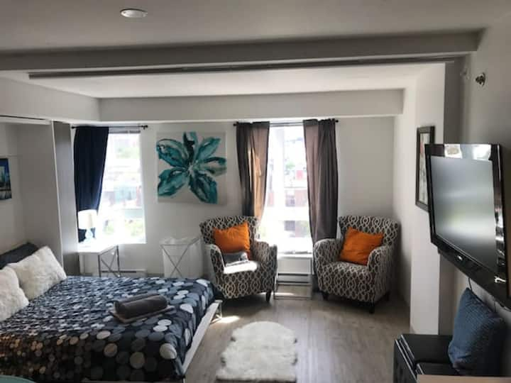 Cozy Condo Near Old-Port! 1323