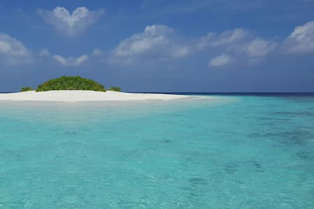 Best place to relax and explore Male atoll.