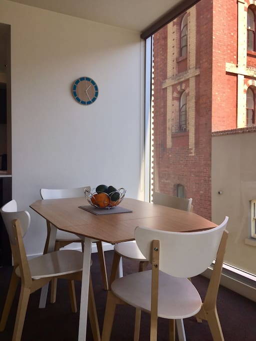 Extendable dining table seats 4 or 6