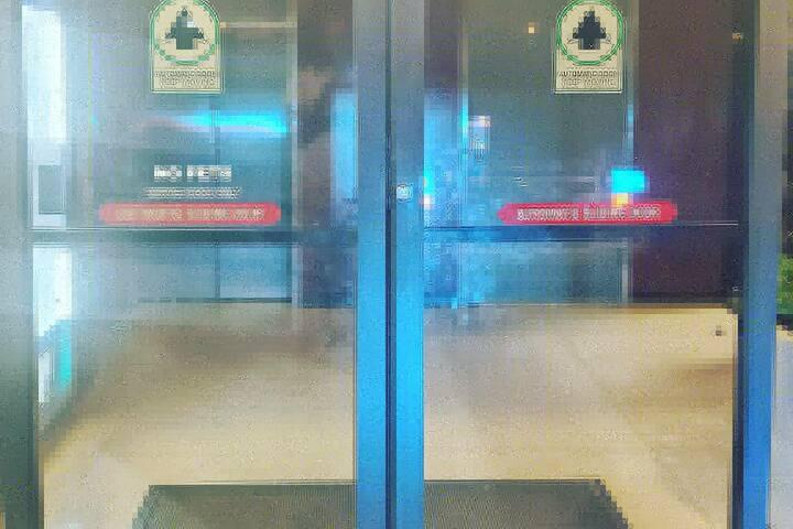2 Suite Business (2nd Floor)