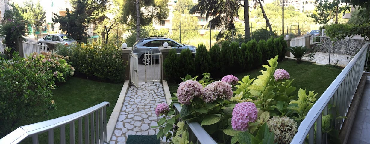 House with Garden in Ajaltoun - Ajaltoun - Townhouse