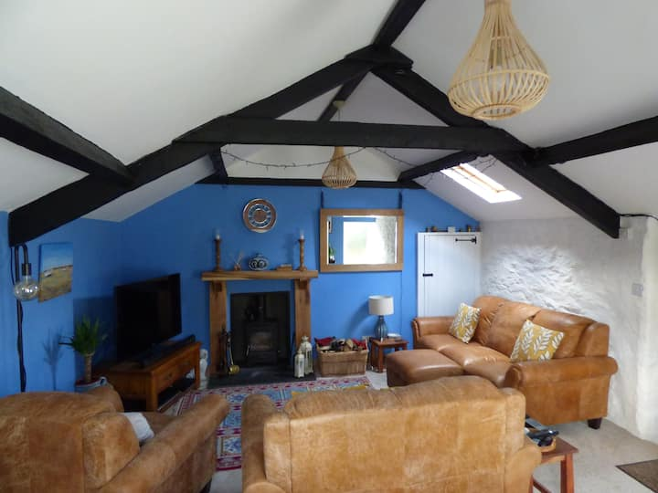 Characterful cottage in the heart of Menai Bridge