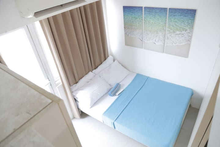 1-Bedroom w 35th floor Balcony @ Light Residences