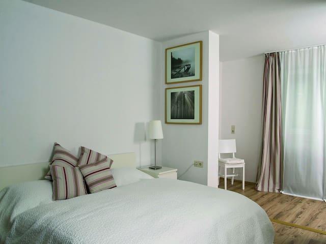 Appartements Am Herrenberg, (Eisenbach), 2-Zimmer-Appartement, 45qm, 1 Schlafzimmer, max. 5 Personen