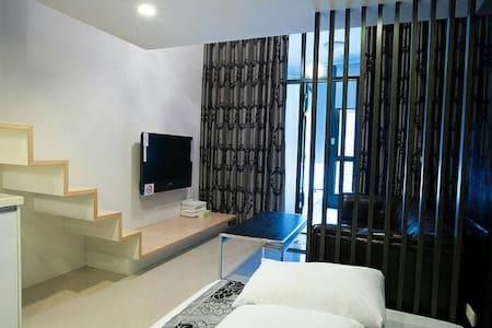 艾瑪家~親家母樓中樓溫泉房(2~3~4人) - Jiaoxi Township - 公寓