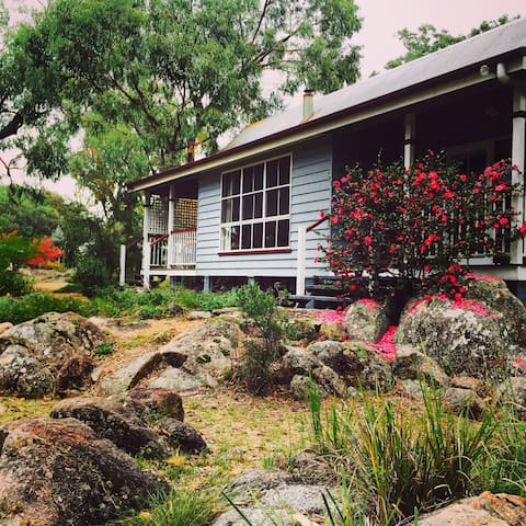 Diamondvale Cottages - Tea Tree Cottage
