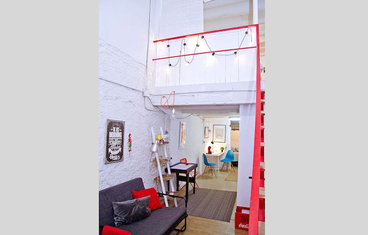 DUPLEX-APARTMENT IN OLD TOWN-FREE BIKES  and WI FI