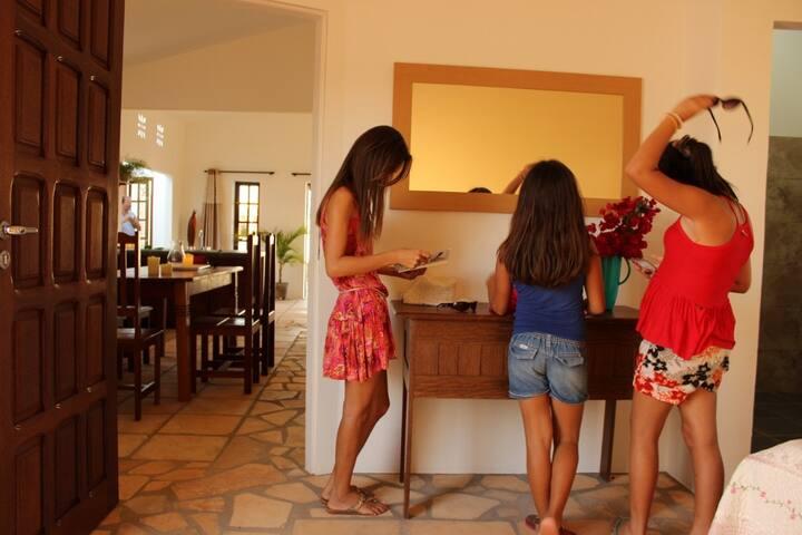 Colorida - Casa de praia 2 suítes c piscina - São Miguel do Gostoso - Casa
