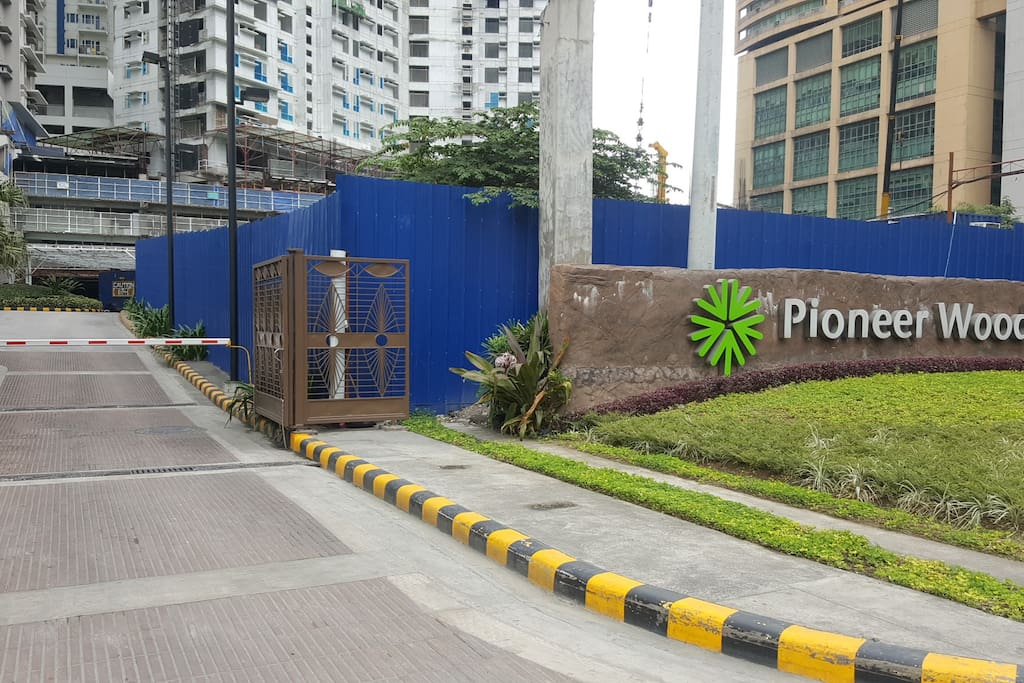 Entrance Gates Of Pioneer Woodlands with 24/7 security.