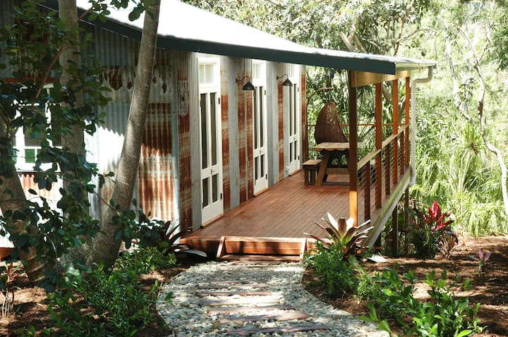 One Love - Byron Bay Hinterland. 3-9 Month Avail