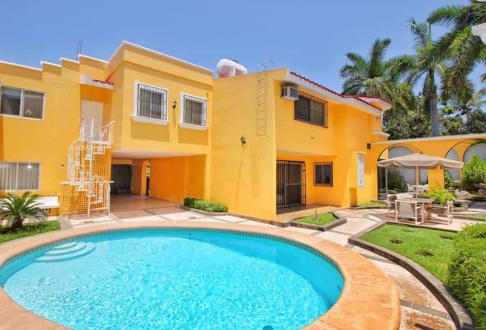 *CASA DORADA walk to beach and enjoy private pool!
