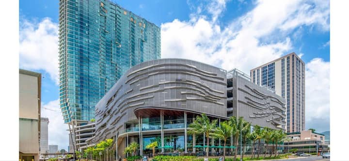 Kakaako Luxury Condominium with many amenities