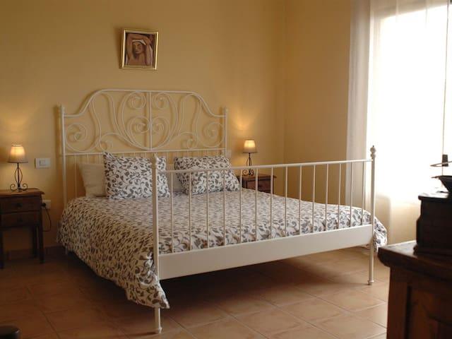 Matrimoniale-Comfort-Bagno in camera con doccia-Vista mare-Pepe Rosa