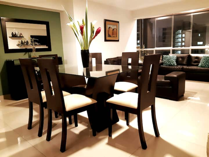 ★50%OFF★Spacious Apartment★Miraflores Kennedy Park