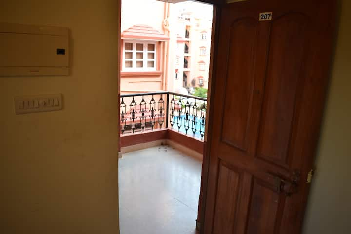 High End 1 BHK Fully Furnished Apartment with Pool