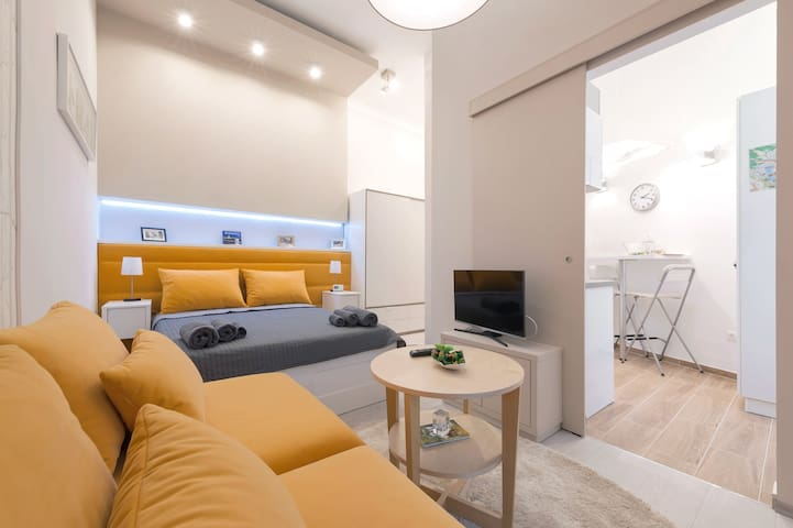 Dohany street apartment // AC