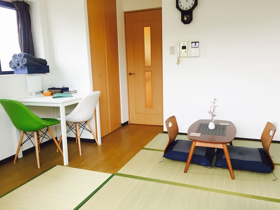 The tatami mat by the craftsman.