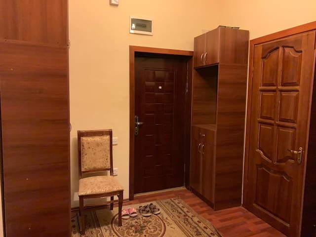 Corridor with large wardrobe  Коридор с большим гардеробом