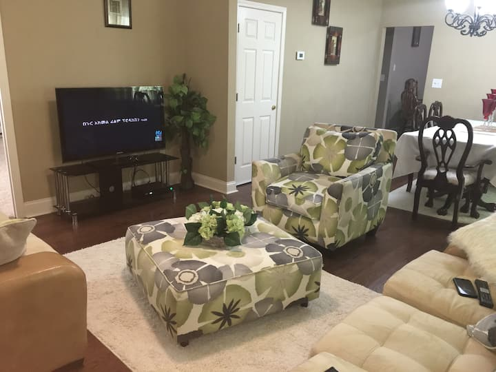 3 BD House | 10 minuets to Downtown