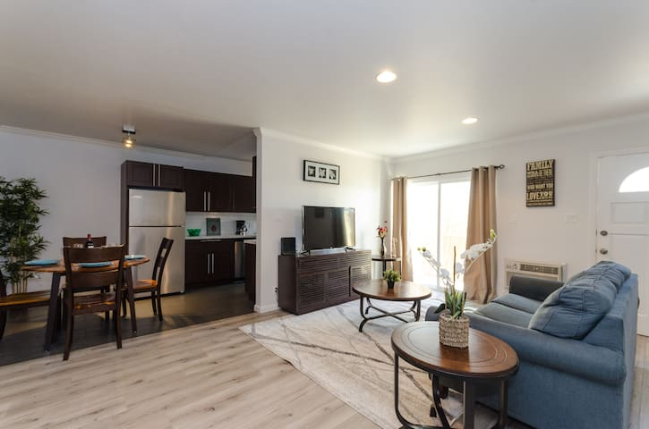 Beautifully Remodeled 2 Beds in BEST LOCATION LA!