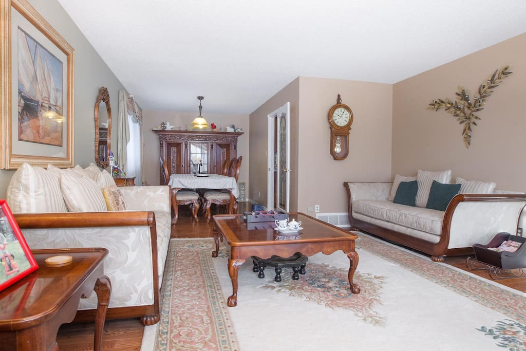 Formal Living And Dinning Room for guests to enjoy