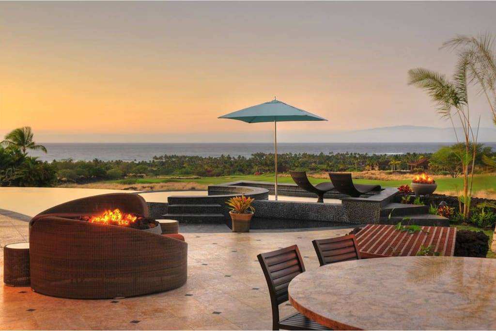 Carefully-selected, high-end outdoor furnishings provide several options for lounging and enjoying your surroundings.