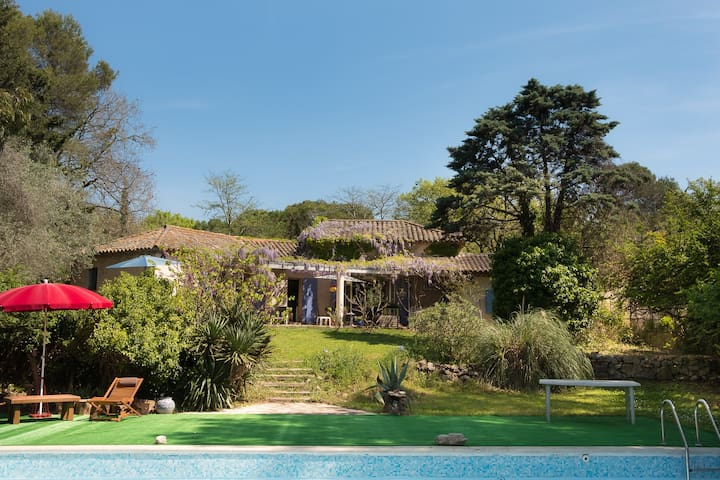 Logement privatif dans villa avec piscine - Mouans-Sartoux - Villa