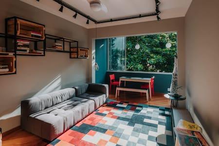 401 Art House - (Room 2) Single beds