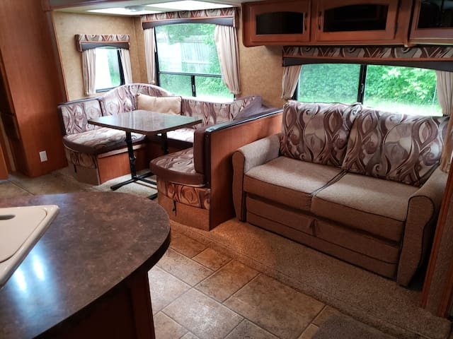 Glamping with Firepit sleeps 6