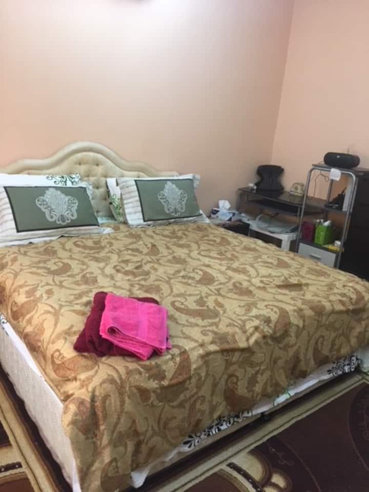 Room in villa private bathroom walk 2 sea n malls