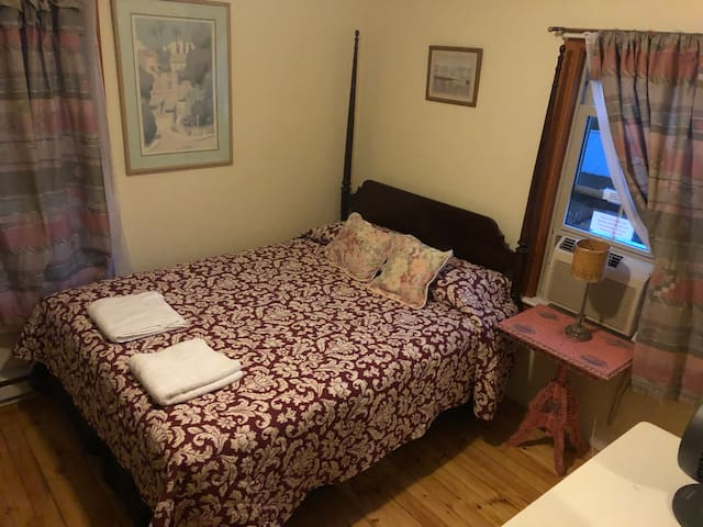 The Hideaway Inn - Double Room