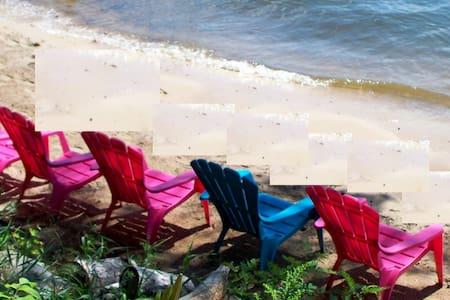 Sunset Beach WKNDS 2 nts w/3rd nt. FREE Slps 12 - Wautoma - Cabaña