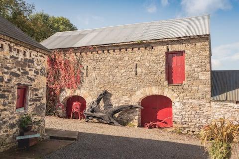 Snugborough Farmhouse. One-of-a-kind 1800s house