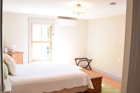 New Downtown Stowe Apt. 3B 1B - Wohnung