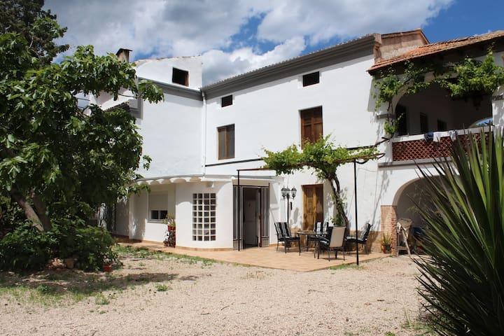 Casa de naranjos con piscina. - Gandia - House