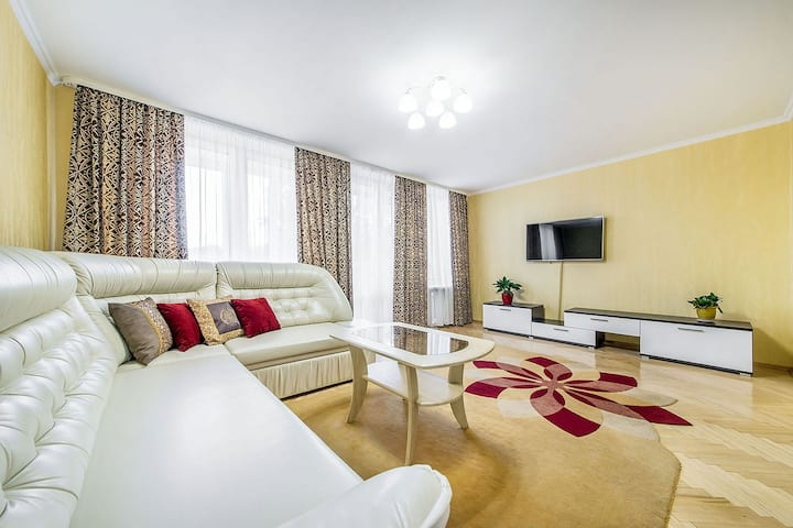 Minsk, 2-room apartment, near metro, city center.