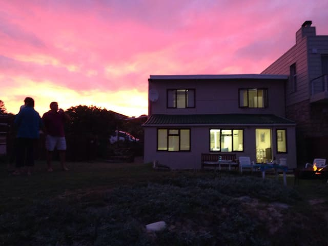 Special Seaside Stay in Stillbay! - Stillbay - House