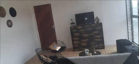 Apartamento completo e bem localizado